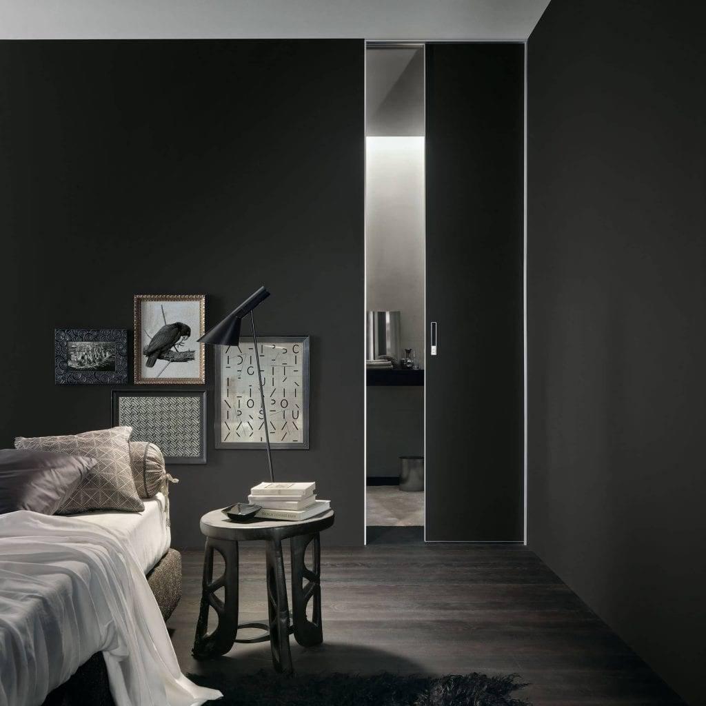 design zwart glazen schuifdeur in de wand rimadesio moon