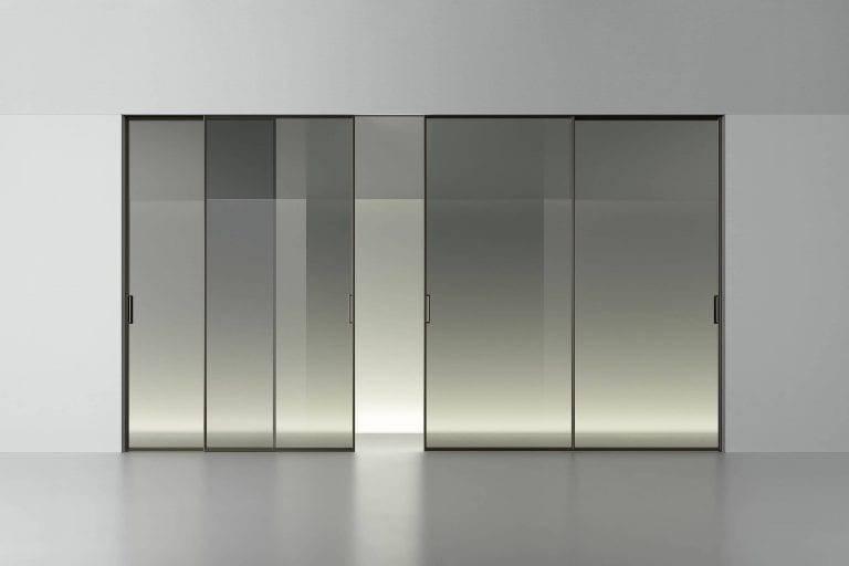 minimalistische schuifdeuren met een aluminium kader