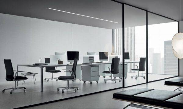 rimadesio projectinrichting luxe bureaus en glazen wandsystemen