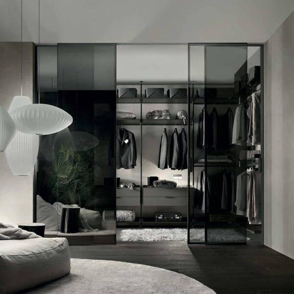 luxe glazen schuifdeur met rookglas voor afsluiting inloopkast rimadesio graphis light