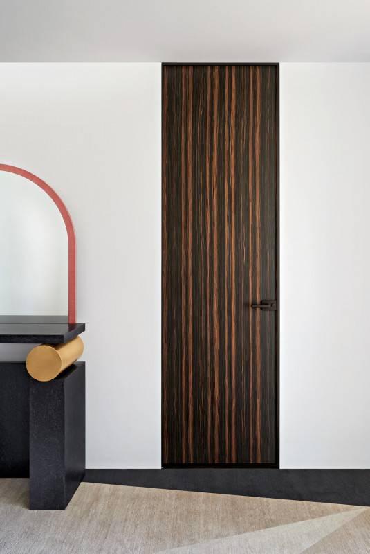 luxe italiaanse binnendeur in hout met met onzichtbaar kozijn glasitalia