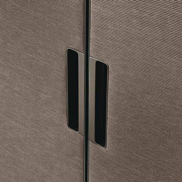 gardrobekast deur afgewerkt met textiel