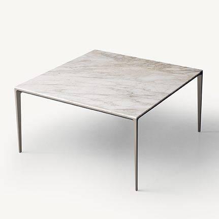 design vierkante italiaanse tafel in wit calacatta marmer rimadesio long island