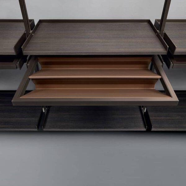 lederen schoenenplank voor inloopkast met uittrekbare houten legplank