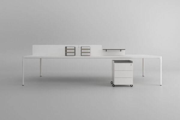 design wit glazen bureau vergadertafel met witte aluminium poten