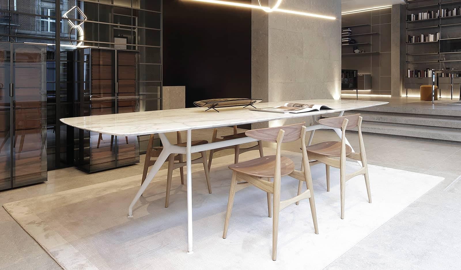 rimadesio manta tafel met wit marmer blad