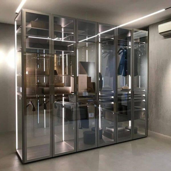 vrijstaande glazen italiaanse kledingkast op maat gemaakt rimadesio_
