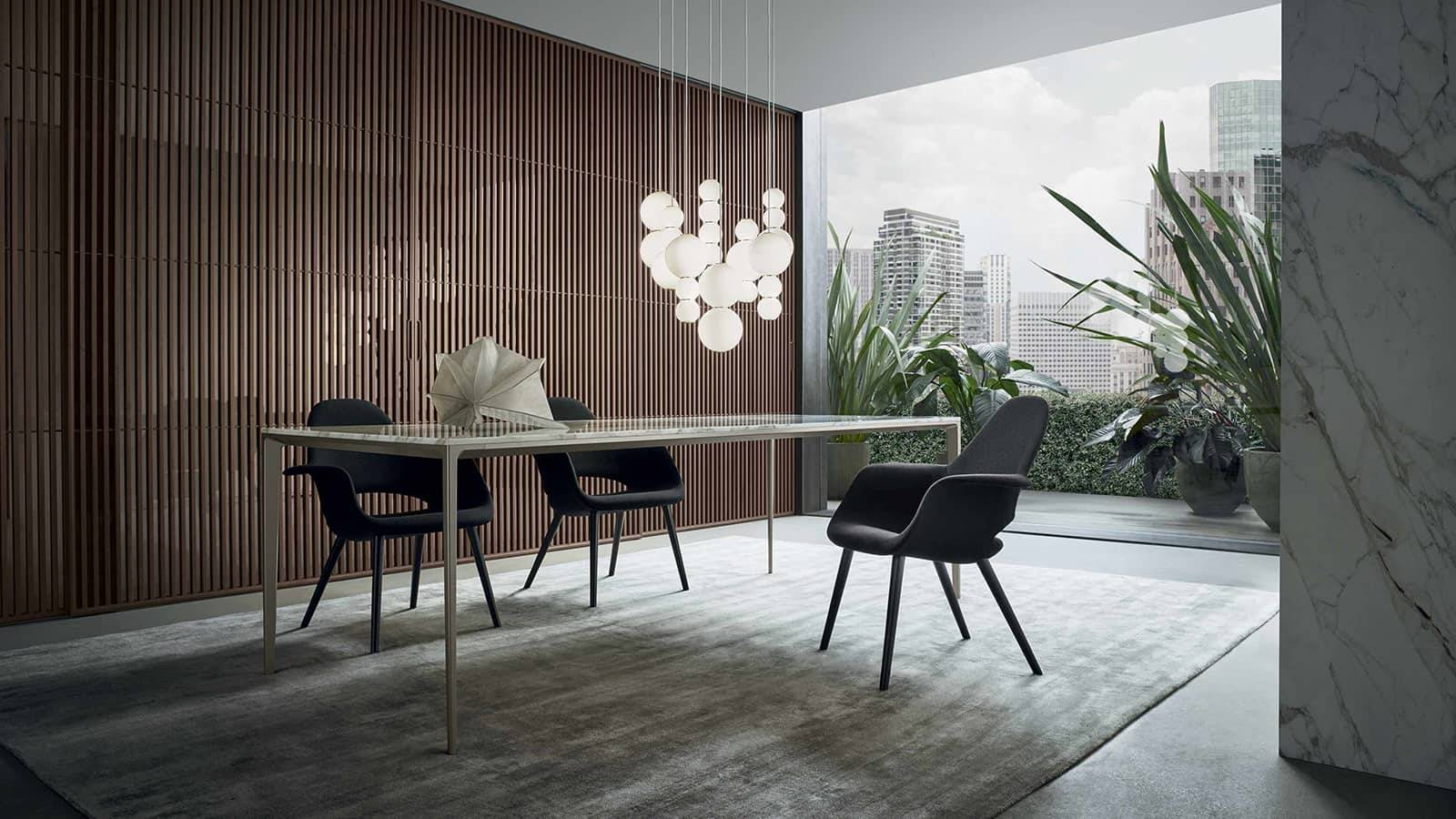 luxe rechthoekige tafel in wit calacatta marmer met gelakt aluminium poten rimadesio
