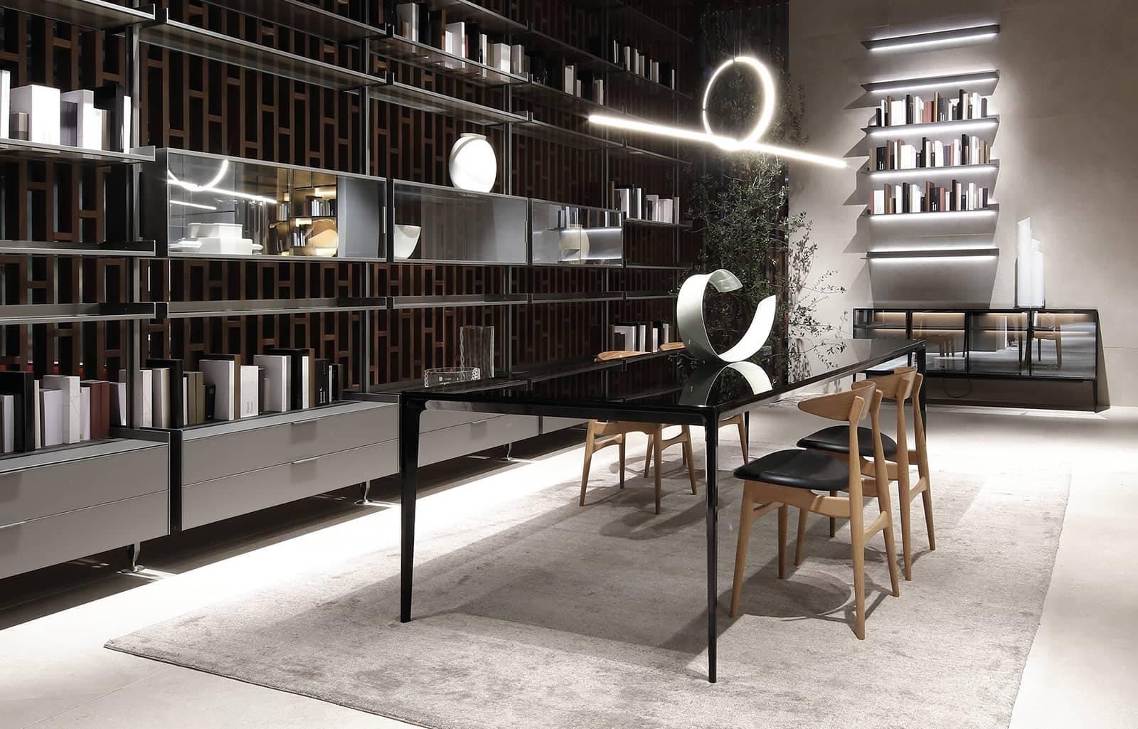 rimadesio long island glazen eettafel met grigio transparant glas en zwart aluminium poten