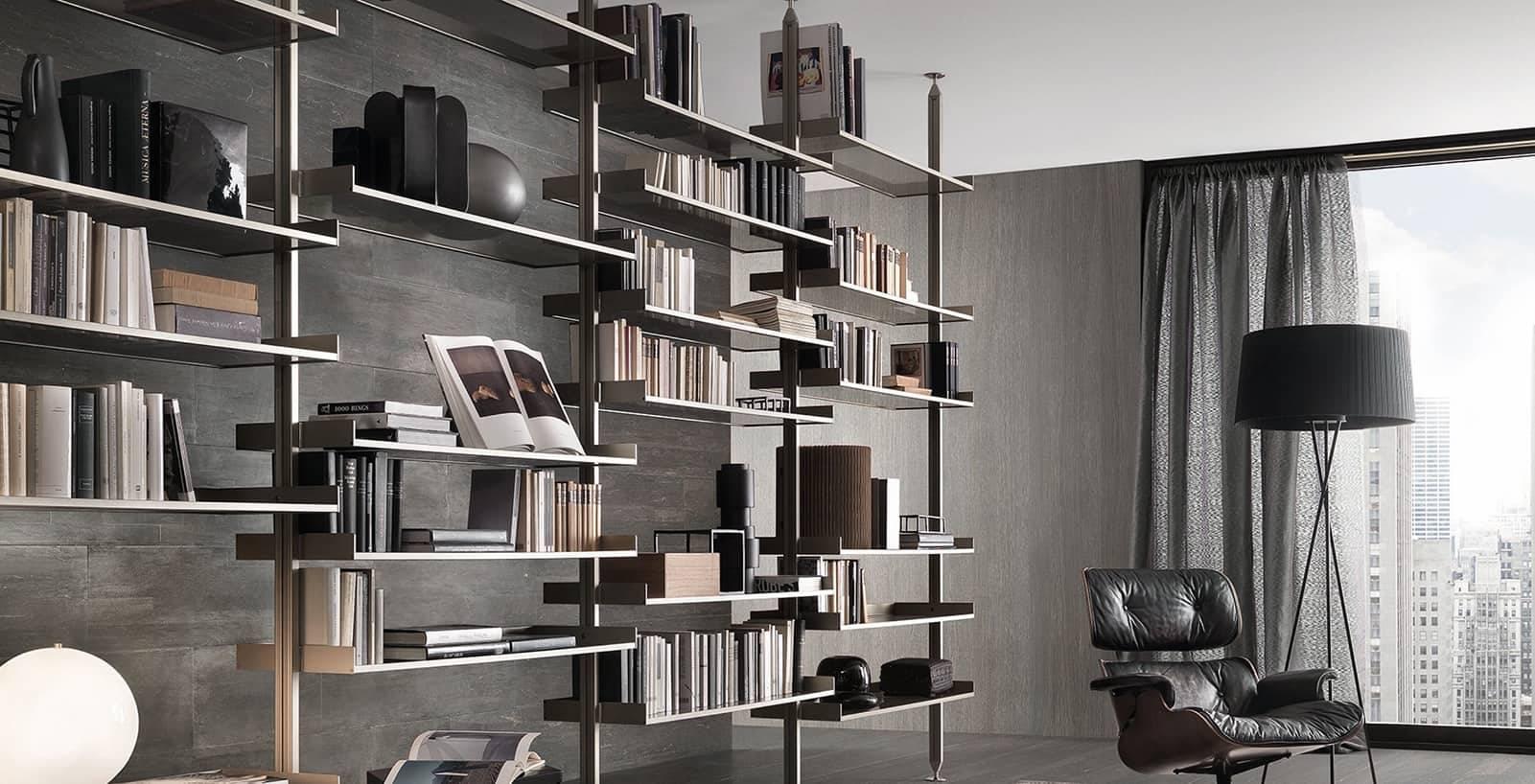 moderne boekenkast met glazen legplanken en aluminium staanders rimadesio zenit