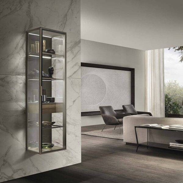 chique glazen vitrine display zwevende wandkast in glas en aluminium rimadesio alambra