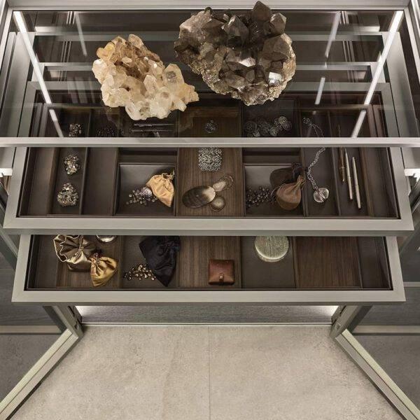 luxe kastinterieur inrichting design glazen vitrinekast rimadesio_