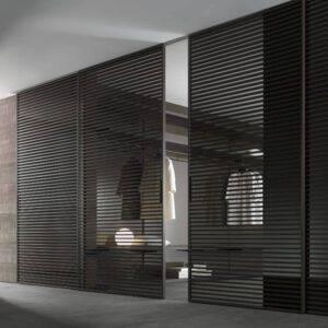 luxe schuifdeuren rimadesios stripe met bruin gelakte horizontale profielen of latjes op maat gemaakt