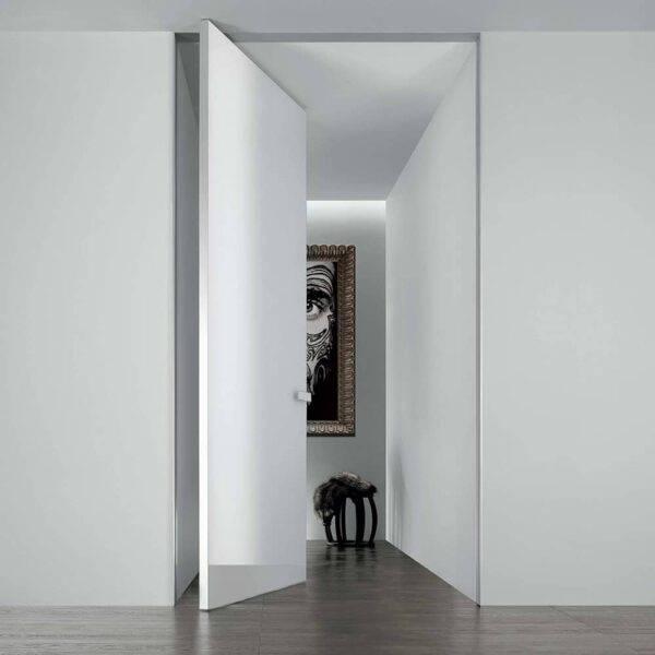 modere wit glazen taatsdeur of pivotdeur op maat rimadesio aura italiaans design via noctum