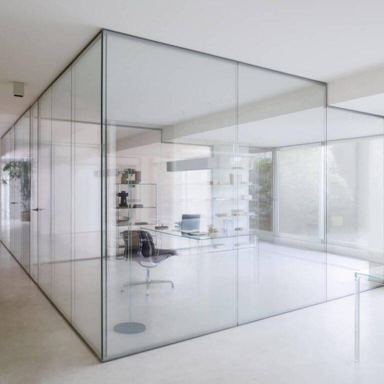luxe-glazen-scheidingswand-kantoor-draaideur-akoestisch-glasitalia-wall