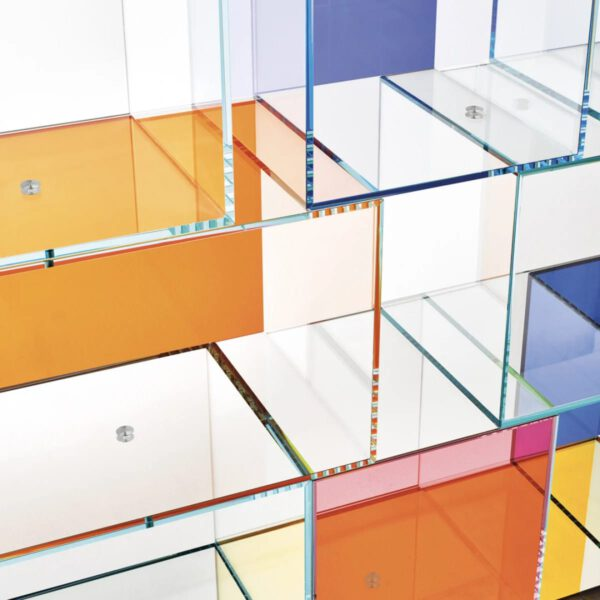 Luxe-Design-Italiaanse-Wadndmeubel-Gekleurde-Maatwerk-Boekenkast-GlasItalia-Quantum