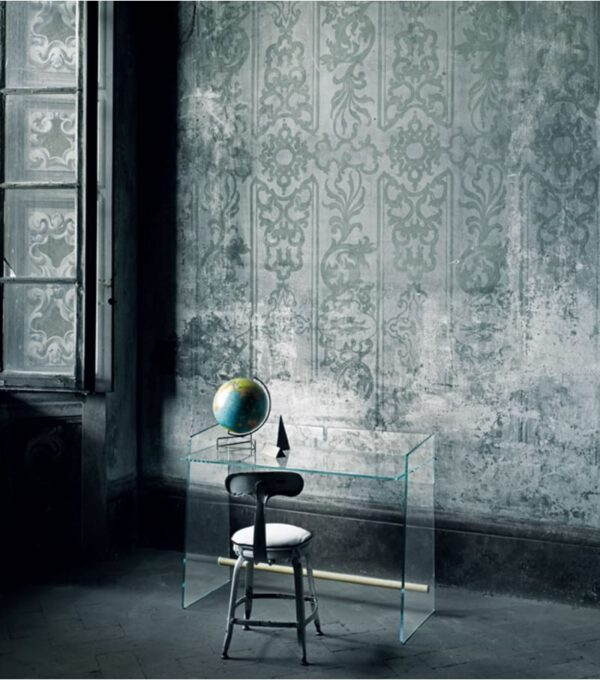 Pirandello-glasitalia-italiaanse-bureau-makeup-tafel-transparante-design-maatwerk-exclusieve-glazen-luxe-moderne